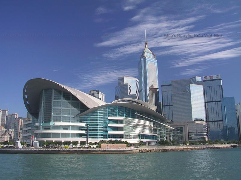 Đây là nơi đã diễn ra Lễ bàn giao lịch sử vào ngày 30 tháng 6 năm 1997 khi Anh trả lại Hồng Kông cho Cộng hòa Nhân dân Trung Hoa.