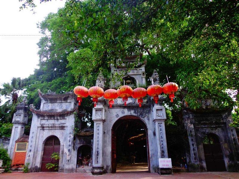 Đền Mẫu, hay còn gọi là Hoa Dương Linh Từ hoặc đền Mậu Dương thuộc địa phận thành phố Hưng Yên, nằm trong khu di tích phố Hiến.