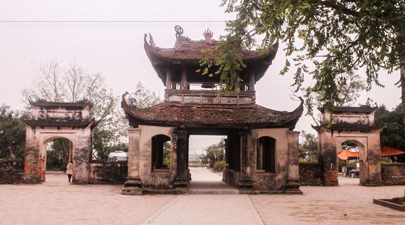Bên cạnh đó, đền Đậu An không chỉ nổi tiếng với kiến trúc độc đáo và bề dày lịch sử mà phần lễ hội hàng năm cũng có nhiều điều thú vị và khác biệt. Hàng năm, từ mùng 6 - 12/4 (âm lịch), lễ hội được diễn ra với các nghi lễ truyền thống, làm náo nức lòng người gần xa.