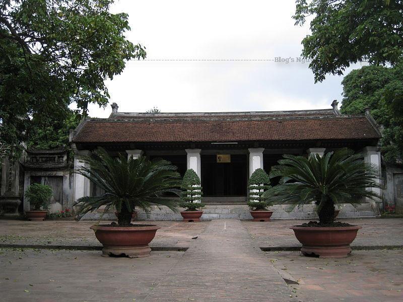Ngôi chùa ở Hưng Yên này gây ấn tượng với du khách bởi nét đẹp cổ kính, rêu phong hiện diện ở từng hạng mục kiến trúc. Các họa tiết trang trí trên công trình đều rất tinh tế, công phu thể thiện sự nhiệt huyết của các nghệ nhân.