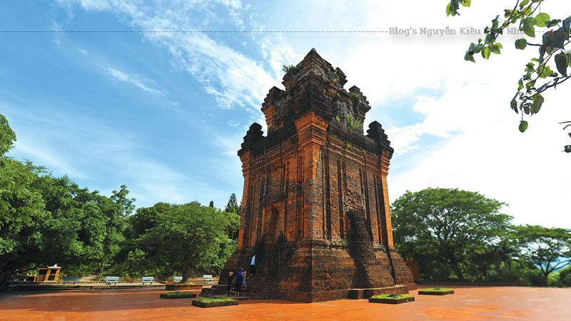 Kiến trúc tháp được xây dựng phần nào thể hiện được nền văn hóa rực rỡ của người Chăm lúc bấy giờ. Hơn nữa, đến hiện tại đây vẫn được xem là di tích, là một kiến trúc sử dụng nghệ thuật cấp quốc gia khiến người dân tỉnh Phú Yên tự hào.