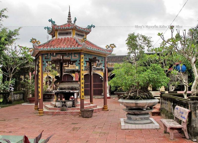 Được xây dựng vào năm 1821, Minh Mạng năm thứ hai, do tứ bang Minh Hương: Phúc Kiến, Triều Châu, Hải Nam, Quảng Đông cùng nhau tạo lập.