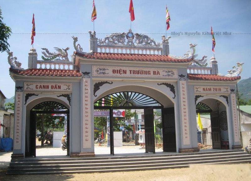 Từ xa xưa, khi đường bộ chưa phát triển, quế Trà Bồng theo những chuyến ghe xuôi về cửa Sa Cần, cửa Đại Cổ Lũy chủ yếu bán cho thương lái Hoa kiều xuất ra nước ngoài.