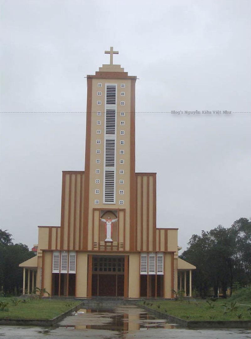 Giáo xứ Quảng Ngãi và nói chung, giáo hạt Quảng Ngãi, là địa bàn mục vụ gánh chịu nhiều nhiều mất mát trong cuộc nội chiến Bắc Nam, đặc biệt từ khoảng năm 1965-1975.