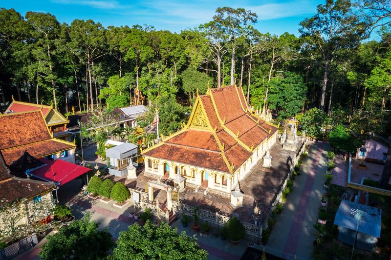 Ngày 25 tháng 8 năm 1994, chùa Âng đã được Bộ Văn hóa-Thông tin (nay là Bộ Văn hóa, Thể thao và Du lịch) công nhận là di tích lịch sử văn hóa cấp quốc gia.