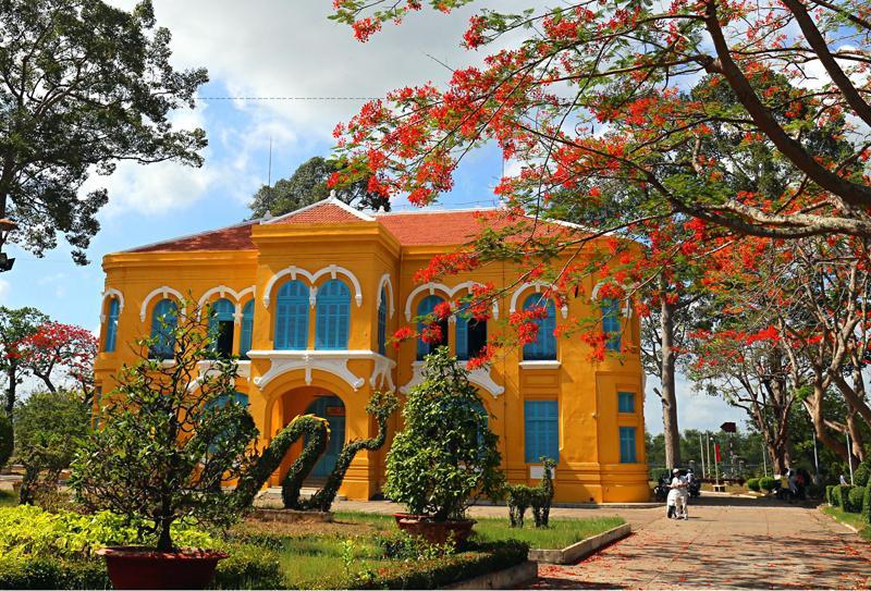 Bảo tàng vẫn ngày ngày mở cửa đón khách tham quan để quảng bá và giáo dục truyền thống, lịch sử vùng đất Bến Tre.