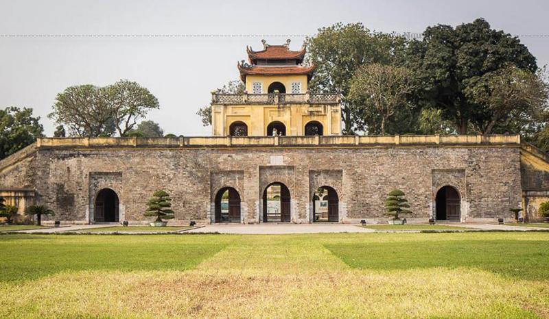 Trên thế giới rất hiếm tìm thấy một di sản thể hiện được tính liên tục dài lâu như vậy của sự phát triển chính trị, văn hoá như tại khu Trung tâm Hoàng thành Thăng Long - Hà Nội.