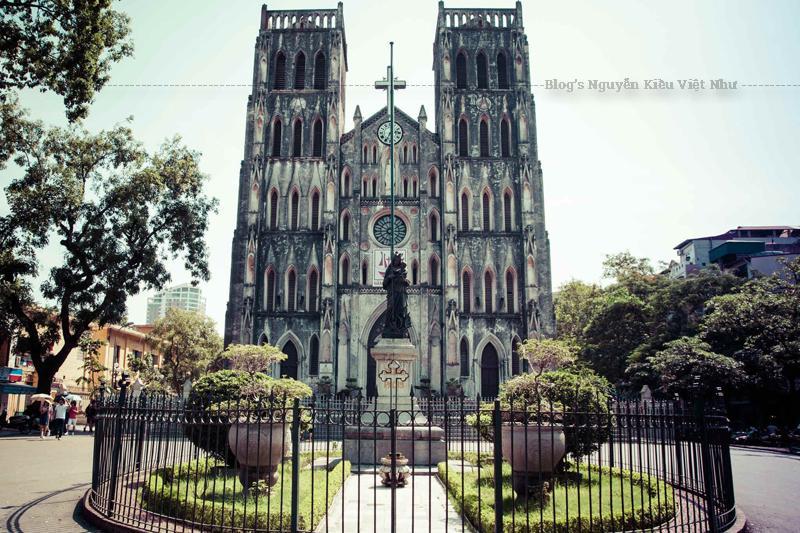 Nhà thờ Lớn Hà Nội cũng là một trong những công trình kiến trúc Pháp thuộc tiêu biểu ở thành phố này.