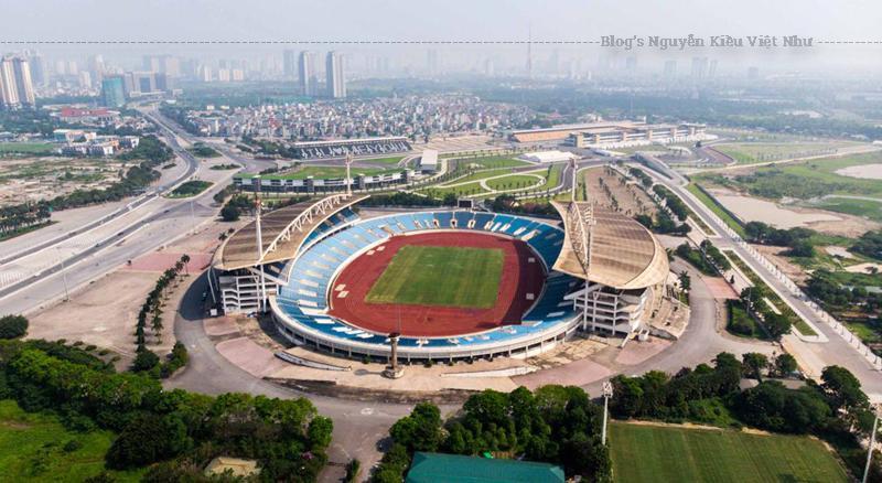 Khu vực cung cấp cơ sở vật chất tập luyện cho các đội bóng với hai sân tập bóng đá nằm cạnh sân vận động.