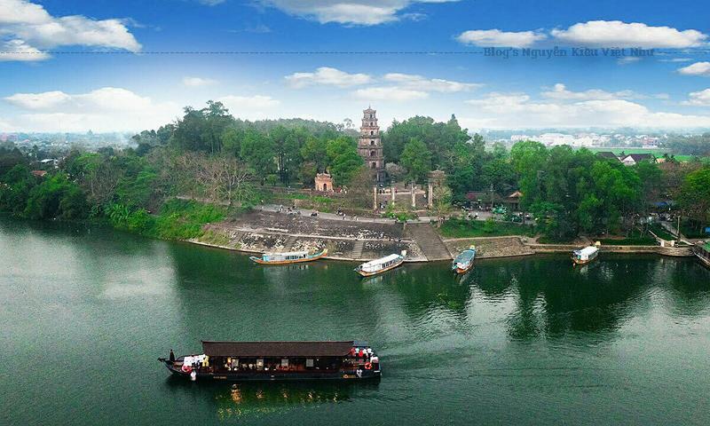 Chùa Thiên Mụ chính thức khởi lập năm Tân Sửu (1601), đời chúa Tiên - Nguyễn Hoàng.