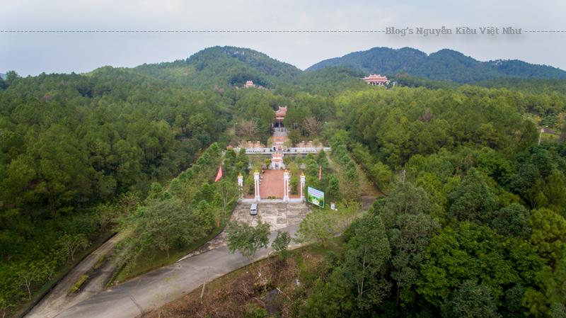 Ghi nhận công lao của một người có công mở mang bờ cõi cho dận tộc, nhân kỷ niệm 700 năm mảnh đất Thuận Hóa - Phú Xuân - Thừa Thiên Huế, năm 2006, đền thờ Huyền Trân công chúa được khởi công xây dựng, chính thức đi vào hoạt động phục vụ du khách từ năm 2007 đến nay.