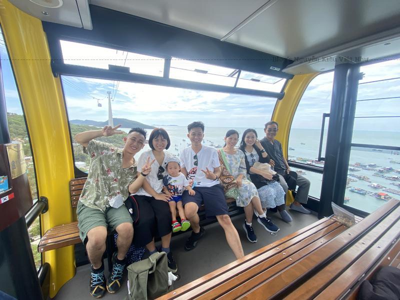 Cáp treo Hòn Thơm Phú Quốc có chiều dài 7899,9m xuất phát từ ga An Thới, qua đảo Hòn Dừa, Hòn Rỏi và kết thúc ở Hòn Thơm, Phú Quốc.