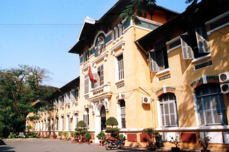 Năm 2003, trường được đưa vào danh mục của 55 công trình đề nghị điều tra xác lập di tích kiến trúc cổ của Sài Gòn - Thành phố Hồ Chí Minh.