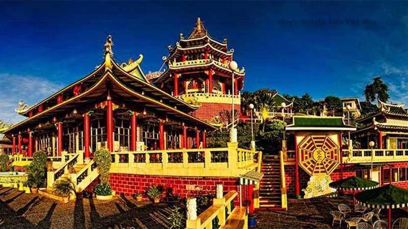 Đền Đạo giáo tại Philippines nằm ở phía Bắc thành phố, đền không thu phí vào cửa.