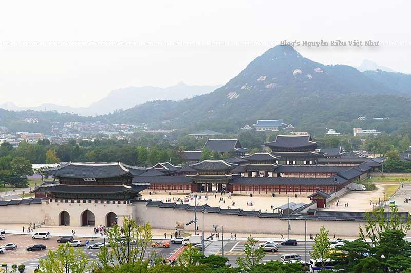 Cung Cảnh Phúc bị thiệt hại nặng vào thế kỷ 20 khi Đế quốc Nhật Bản chiếm đóng Triều Tiên.
